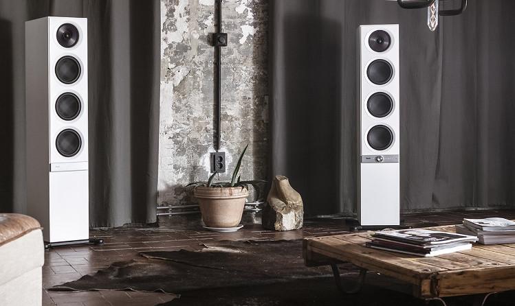 Haut-parleurs Multiroom Stereo L installés dans une pièce