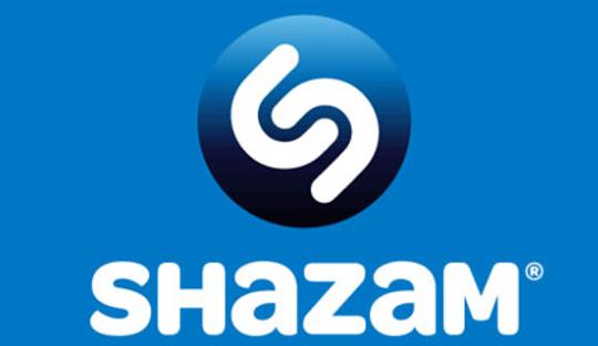Logo der Musikerkennungs-App Shazam. Ein Lied suchen, während dieses abgespielt wird